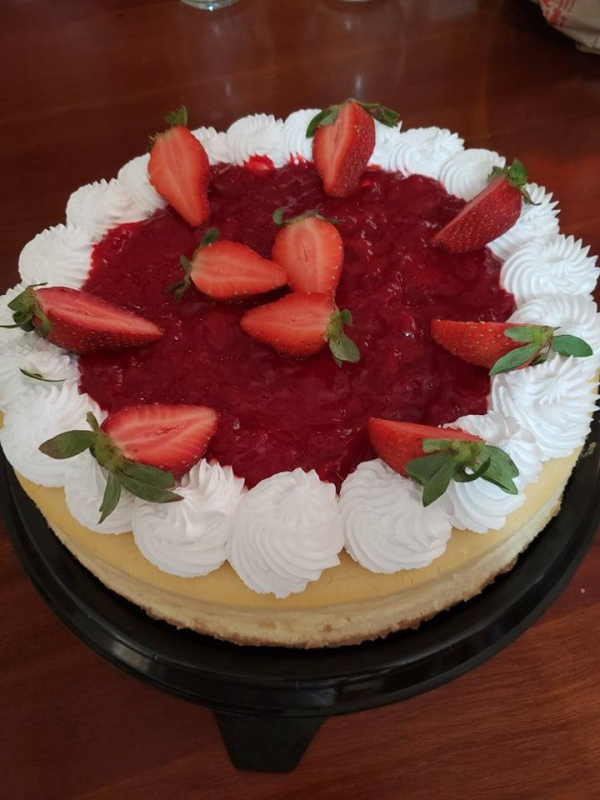 Fresh Strawberry cheesecake made to order - countrywide shipping