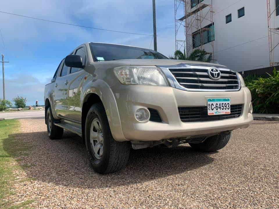 For sale: 2013 TOYOTA HILUX SR