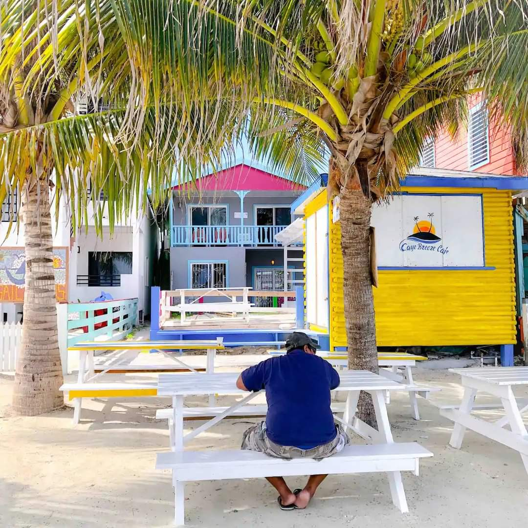 2 bdrm apartment on the beach in Caye Caulker, Belize
