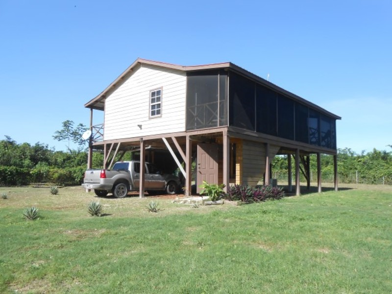 Santa Elena Home on 11.49 acres with 3 Bed 2 Bath, Corozal District