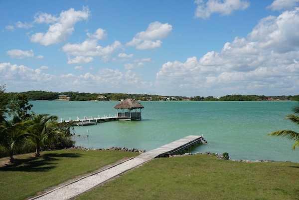 Attractive 2 Bed 2 Bath Lagoon Front Home - Four Mile Lagoon, Corozal District