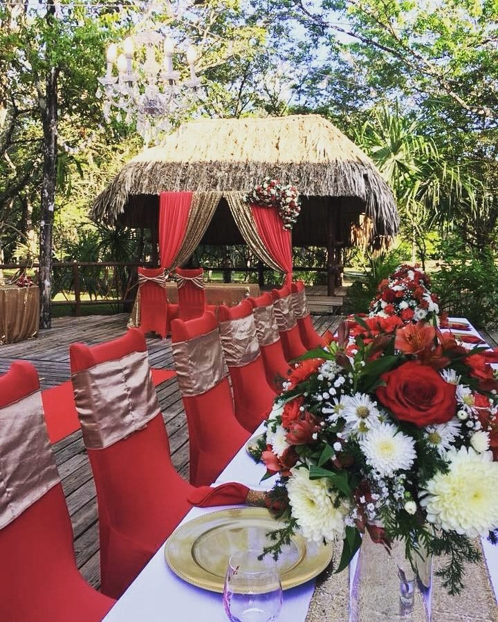 Dreaming of your wilderness tropical wedding in Belize?