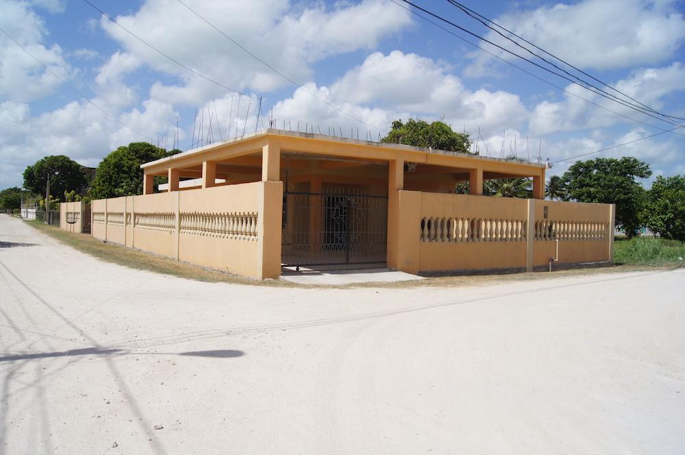 FOR SALE: Large 2 Bed - 2 Bath Home with Jacuzzi in Corozal